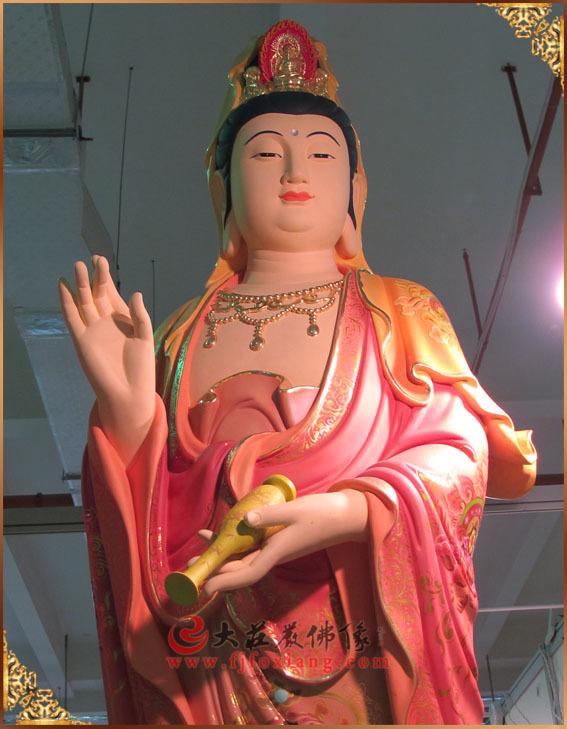 顶戴阿弥陀佛的观音像