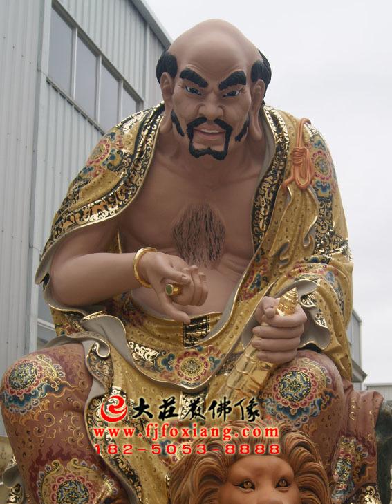 彩绘描金半托迦尊者塑像