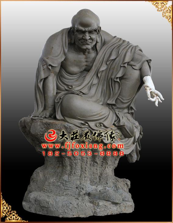 十八罗汉——因竭陀尊者泥塑像