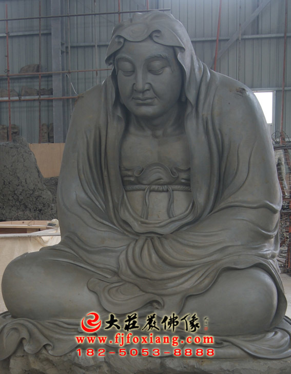 伐那婆斯尊者泥塑像