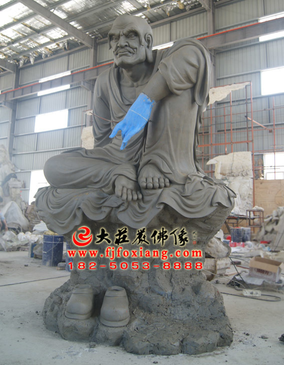 罗怙罗尊者泥塑像