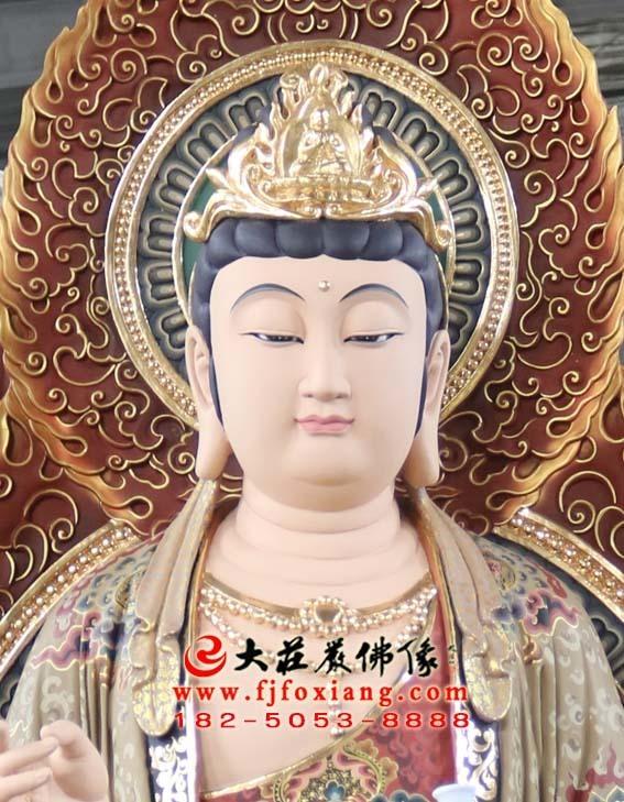 西方三圣之观音菩萨彩绘塑像特写