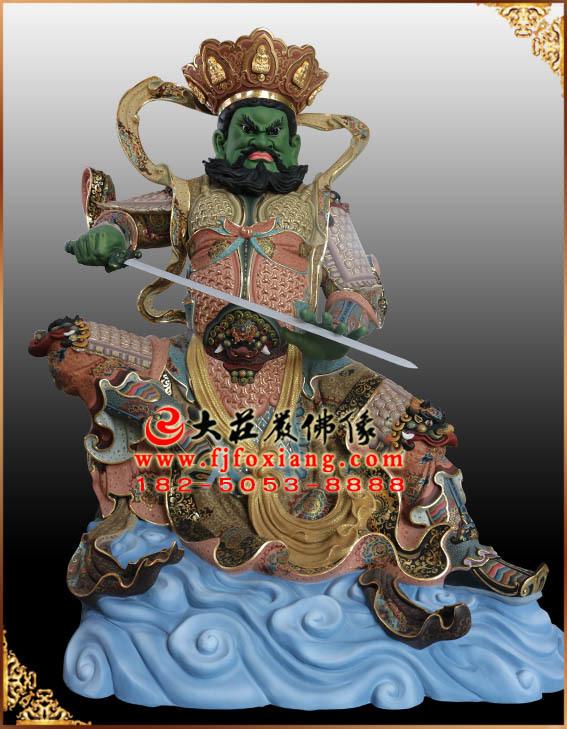 南方增长天王彩绘塑像