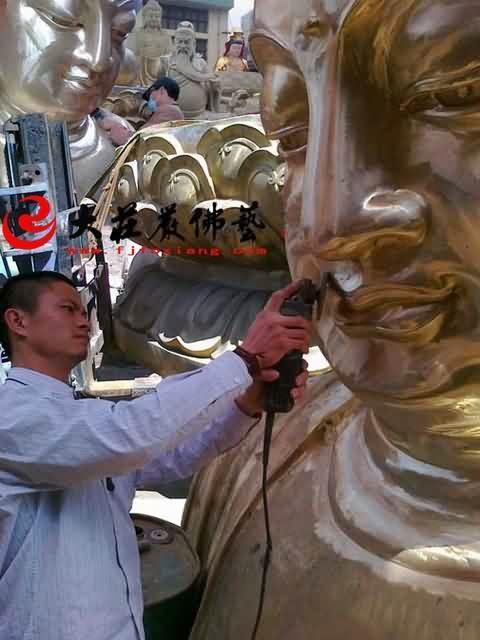 吉林万德寺铜雕大佛