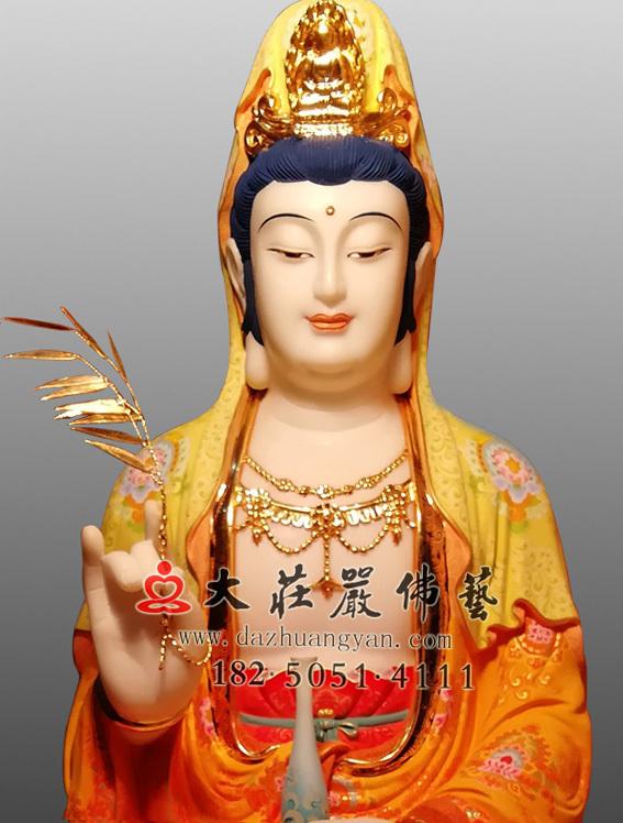 观世音菩萨正面近照彩绘佛像