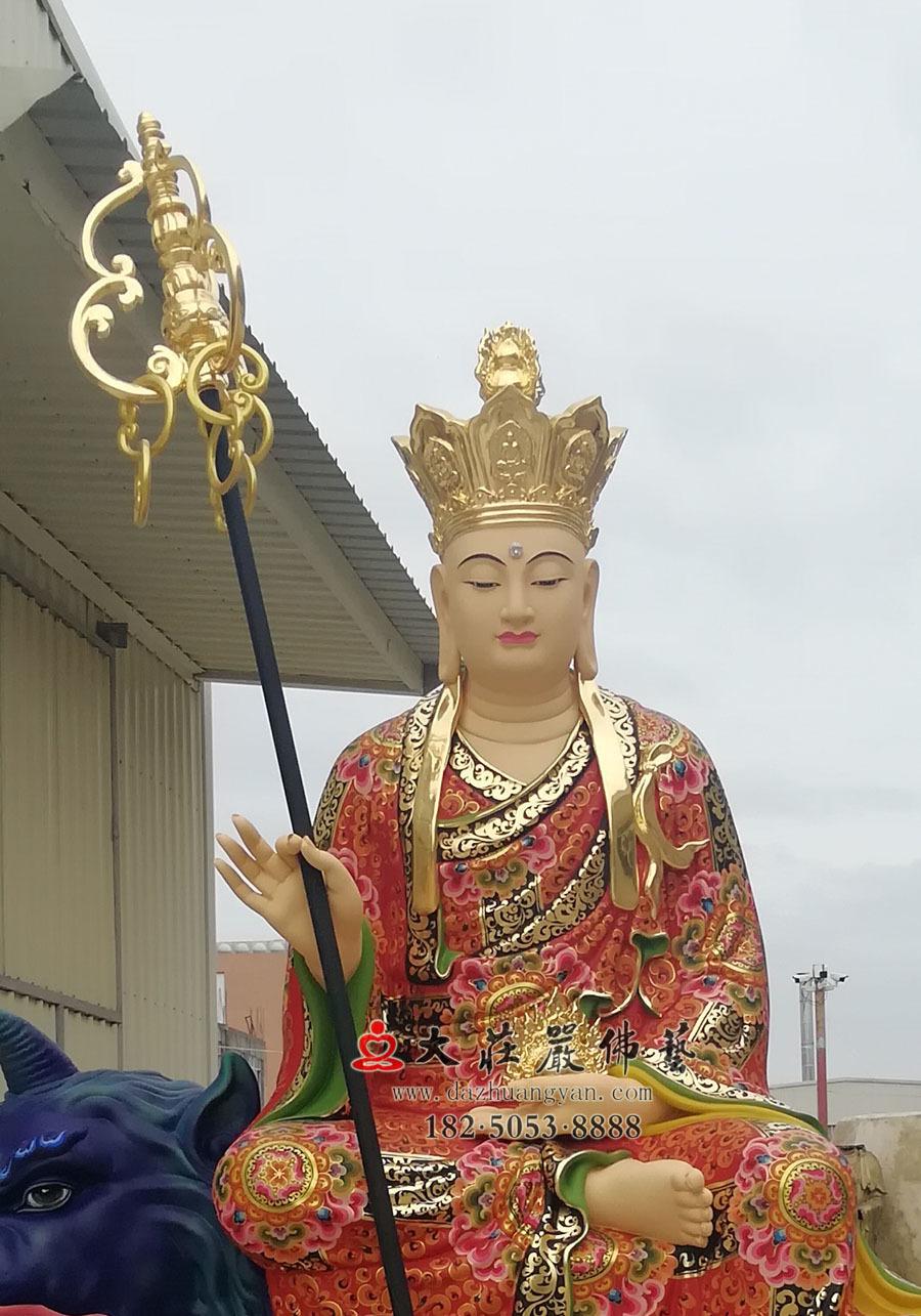 地藏菩萨正面近照彩绘像