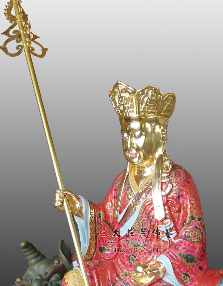 地藏菩萨彩绘贴金侧面近照