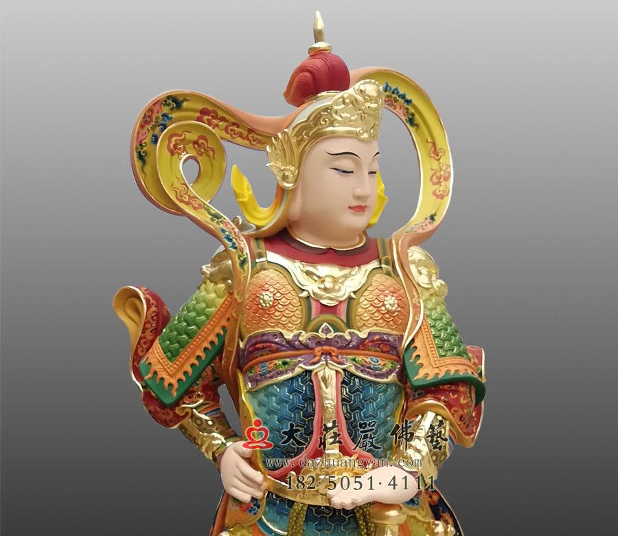 韦驮菩萨侧面近照彩绘像