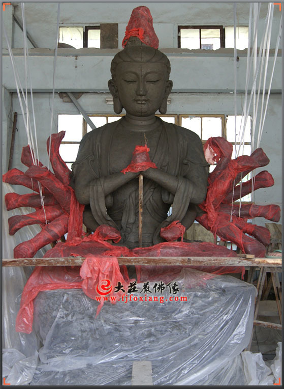 准提菩萨泥塑像