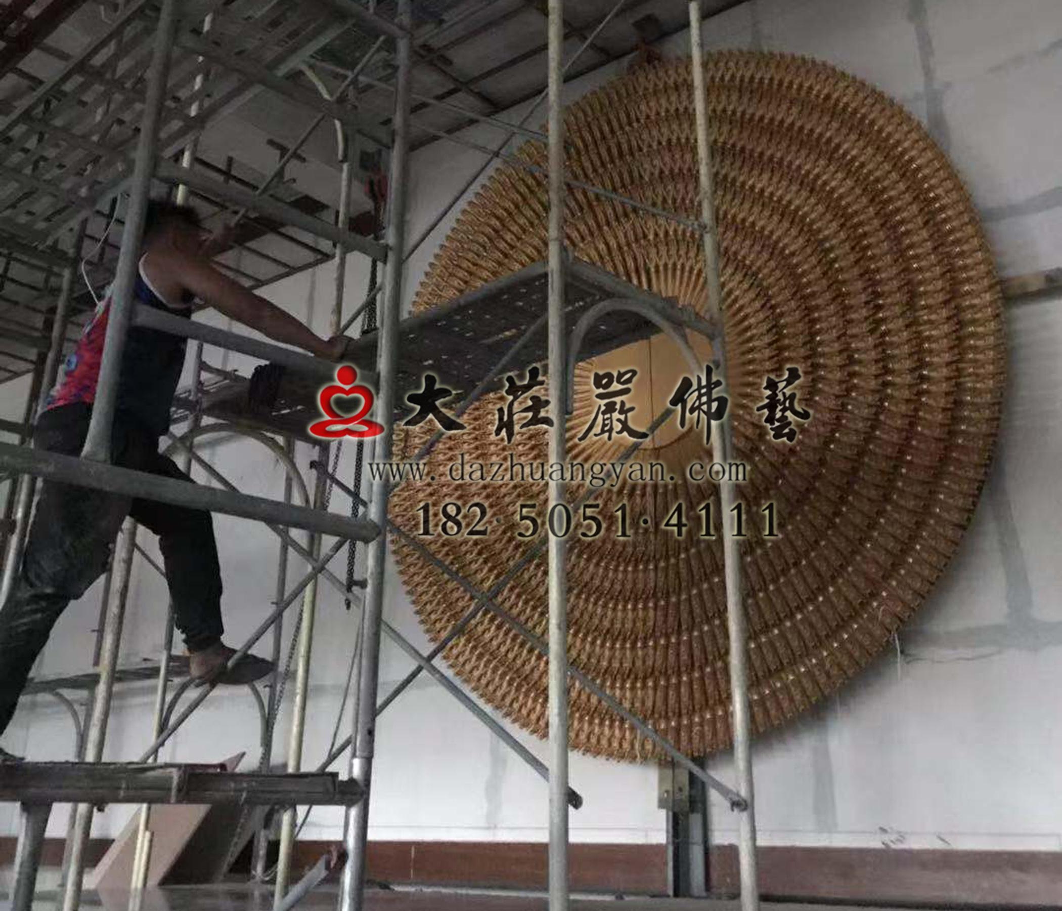 澎湖马公市潮音寺铜雕千手观音安装进行中