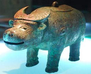 长清考古出土之商代铜雕器物