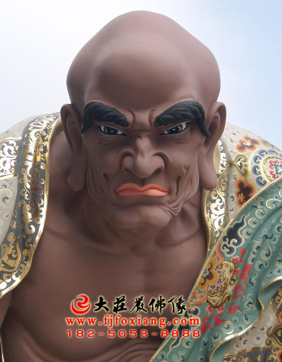 彩绘描金因揭陀尊者塑像