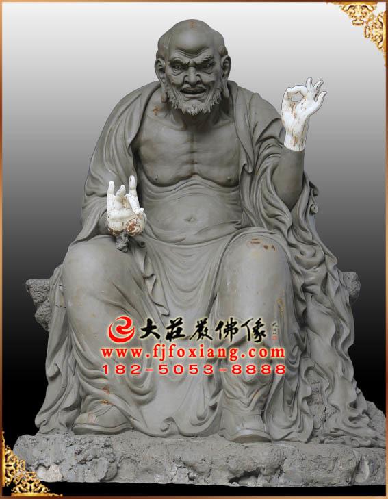 十八罗汉——宾度罗跋罗堕尊者泥塑像