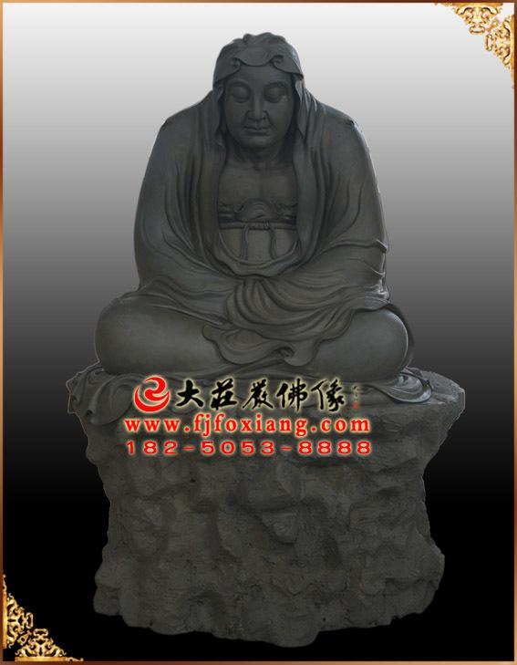 十八罗汉——伐那婆斯尊者泥塑像