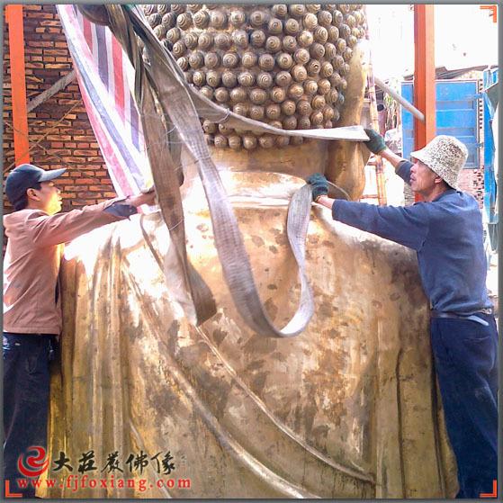 铜雕安装-释迦佛装车前准备工作