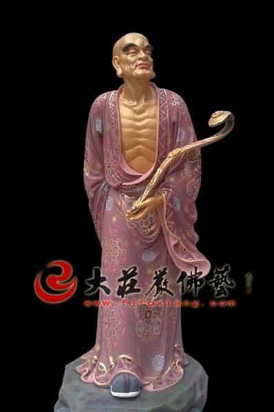 十八罗汉之挖耳罗汉彩绘塑像