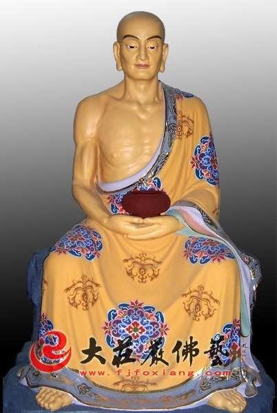 十八罗汉之马鸣尊者彩绘塑像