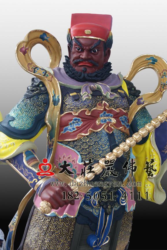 赵公明左侧彩绘神像