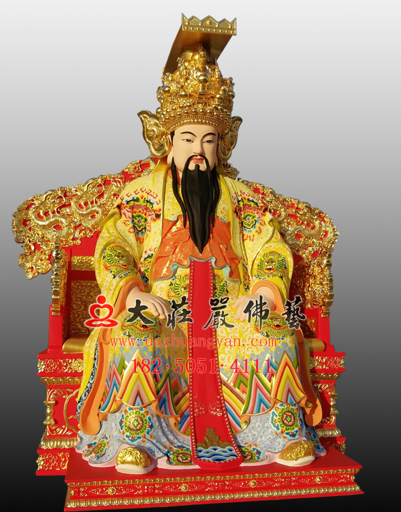 玉皇大帝左侧彩绘塑像