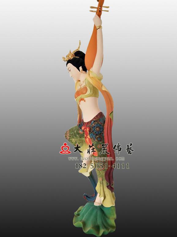 反弹琵琶飞天彩绘塑像