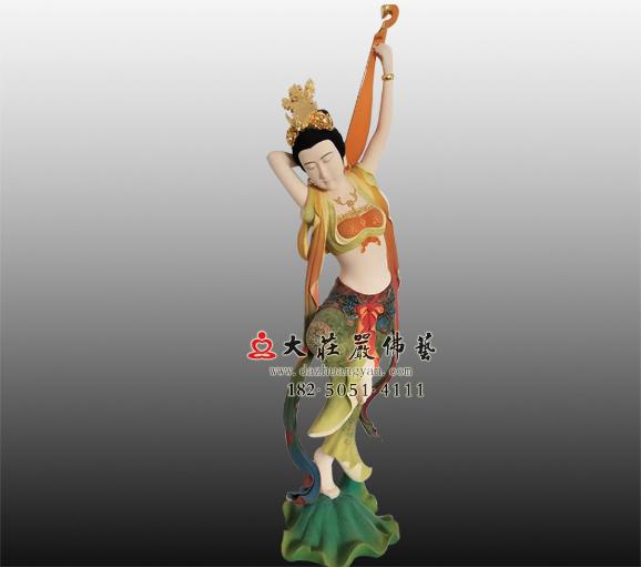 伎乐天-反弹琵琶彩绘塑像