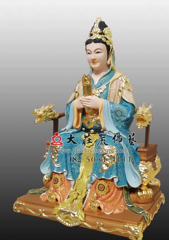 骊山老母彩绘神像右侧照