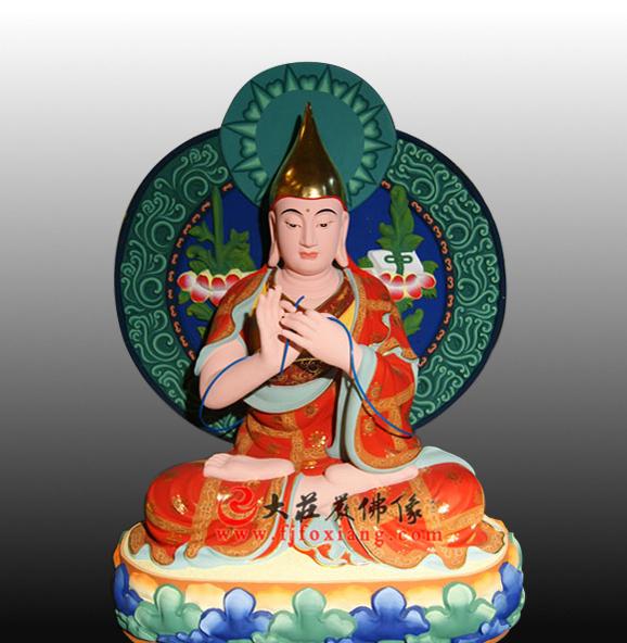 宗喀巴彩绘佛像