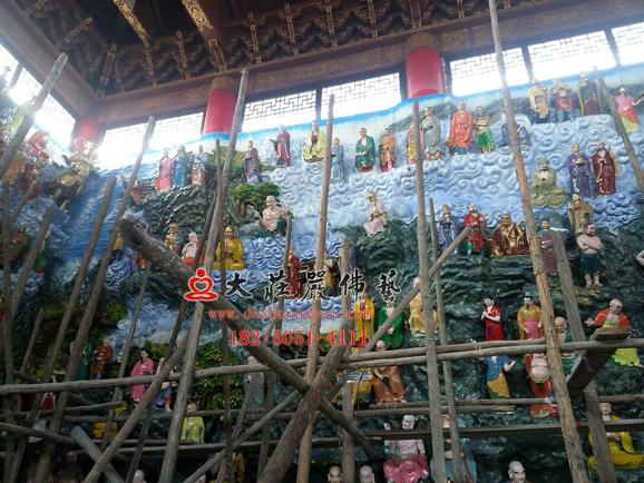 万德寺五百罗汉彩绘贴金现场实拍图