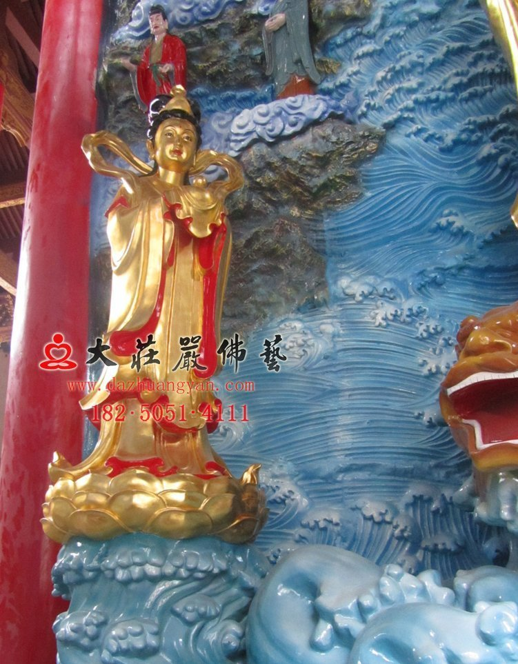 龙女彩绘佛像